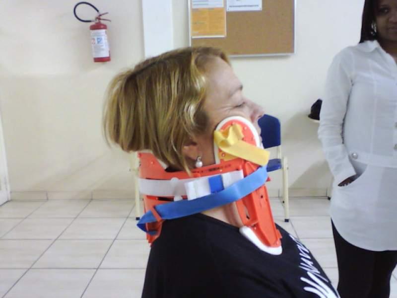 Imagem sobre Colar cervical utilizado em treinamento X-color